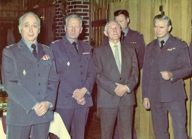 Oficerowie Oddiału WRiA 2 KOP – 1990 rok.