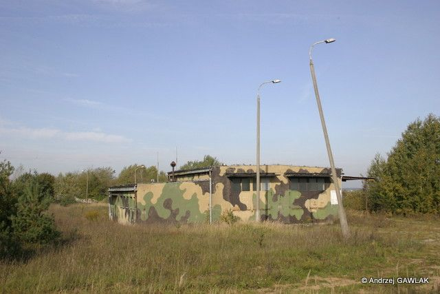 Budynek 22, stanowisko sprawdzeń aparatury pokładowej rakiet.