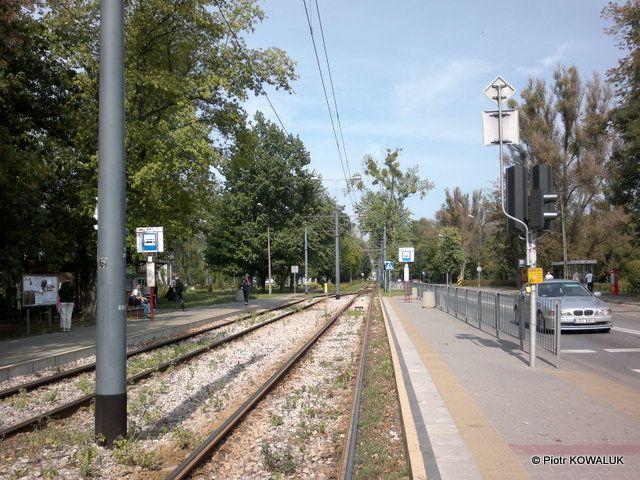 Mijanka tramwajowa linii 20 przed akademikiem wojskowym 01.