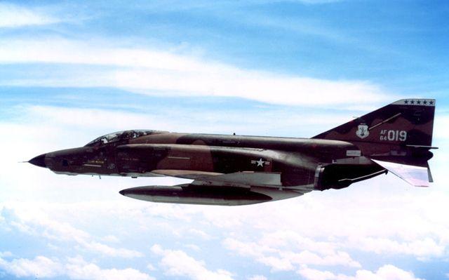 Samolot RF-4C.