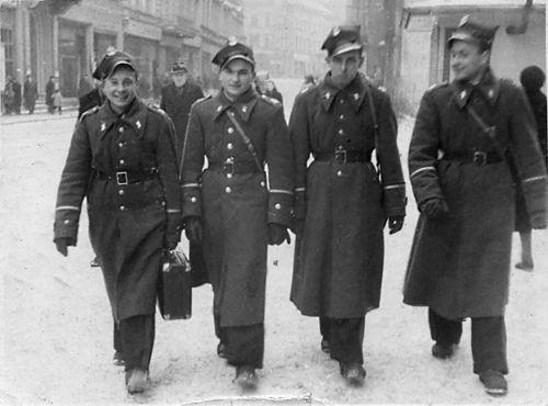 Powrót z pierwszego urlopu - Koszalin 1948r.