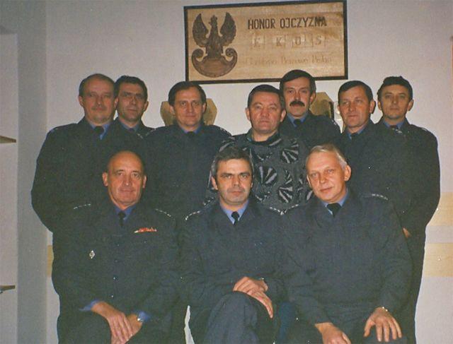 Grupa założycielska klubu EKOS. Od lewej w pierwszym rzędzie: płk Norbert Paszak,
