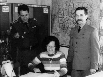 Sztabowcy 37 da OPK. Od lewej: Tadeusz Wilkowski, Stanisława Mróz i Zbigniew Żołna.